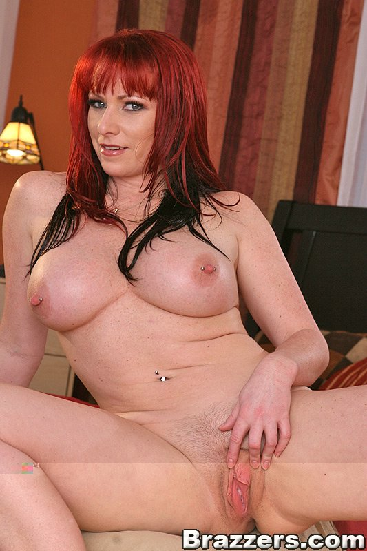 Kylie ireland from mommy got boobs